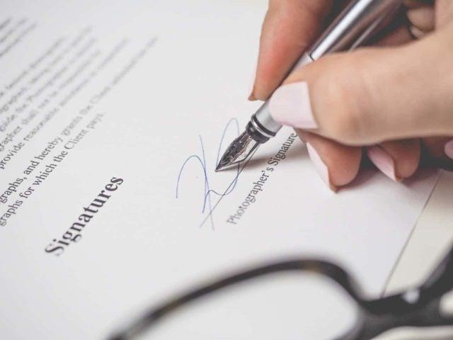 Varför vi skrev om alla avtal och gjorde de extra lätta att läsa
