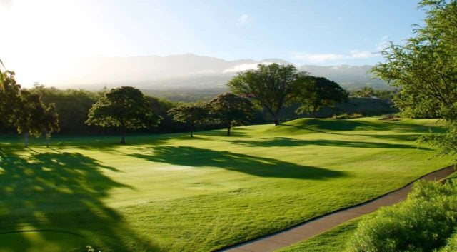 Uppleva en golfbana online