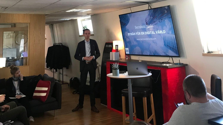 Erik Bernskiöld som pratar på WordPress Meetup Göteborg